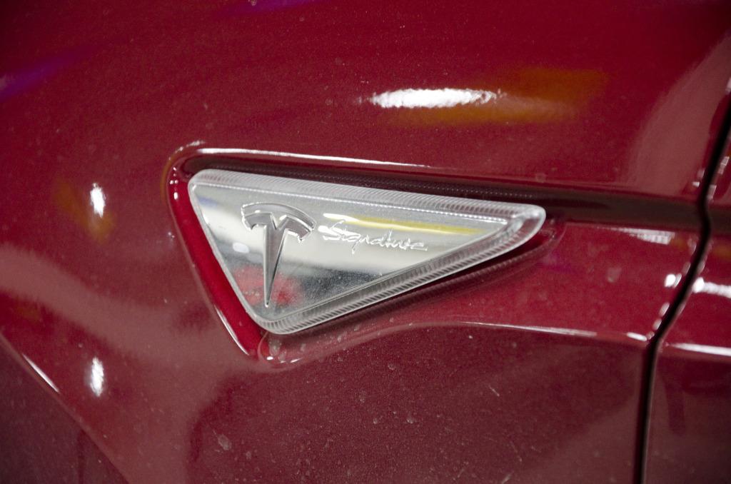 Tesla Model X01