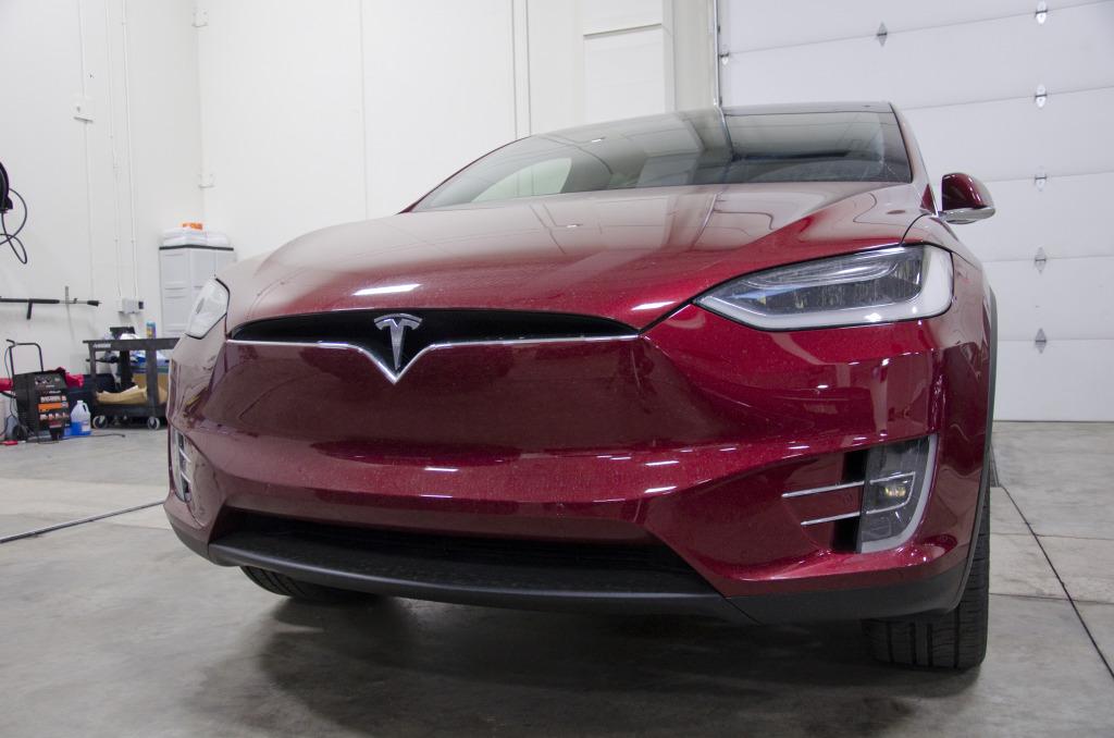 Tesla Model X02
