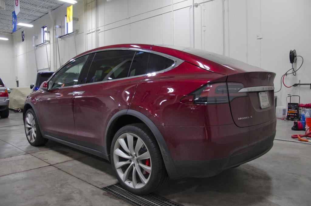 Tesla Model X03